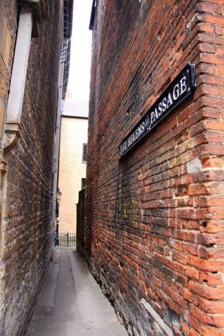 St. Helen's Passage - the alley to the Turf Tavern